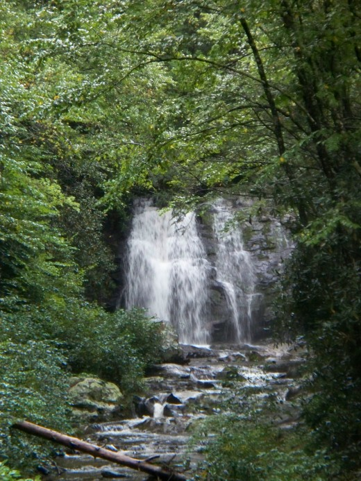 Hidden Waterfall between Gatlinburg Park Entrance and Cades Cove