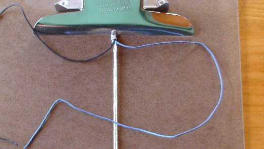 Step 3  Pass right cord (blue) overtop of anchor cords.