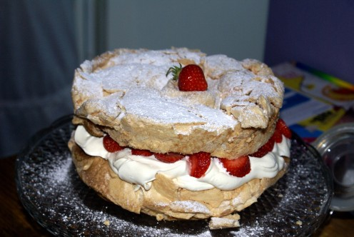 This isn't one of the 'best' desserts - it's just a little something I made for Sunday teatime which everyone loved - 2 layers of soft gooey meringue filled with freshly whipped vanilla double cream and filled with ripe sweet strawberries.