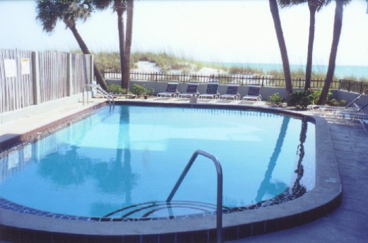 Coolwood condo Pool