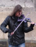 Ed Alleyne-Johnson: famous electric violin busker.