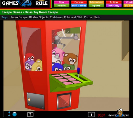 Screenshot of me playing the Arcade Grabber in XMAS TOY ROOM ESCAPE