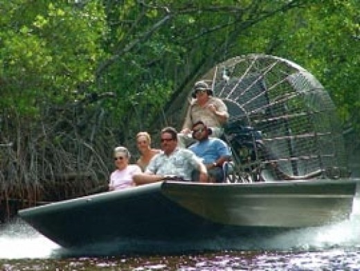 A fast and fun Everglades airboat