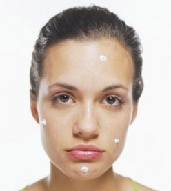 Does applying toothpaste on a pimple really get rid of the pimple overnight?