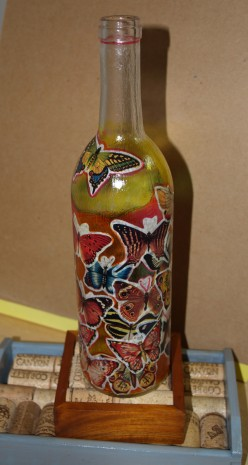 Craft Ideas Glass Bottles on Decoupage And Stained Glass Wine Bottle  Wine Cork And Mahagony