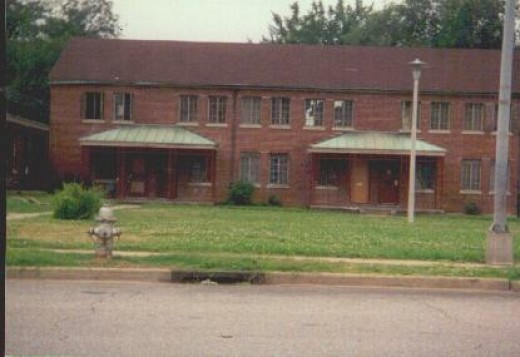 LAUDERDALE COURTS FRONT VIEW - The right intrance is where Elvis lived. The back door led to the court yard.
