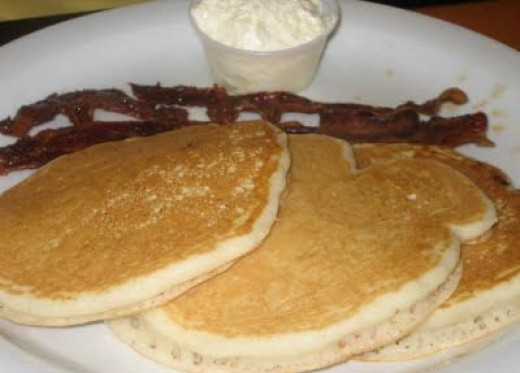 Big City Diner Kids Big Silver Dollar Pancakes with Bacon