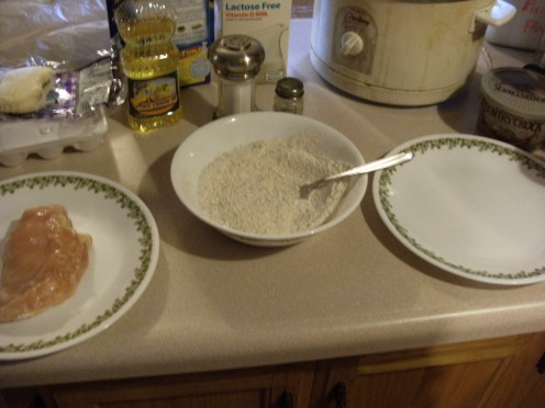How I set up my flouring station Chicken plate, Flour, then clean plate for floured chicken