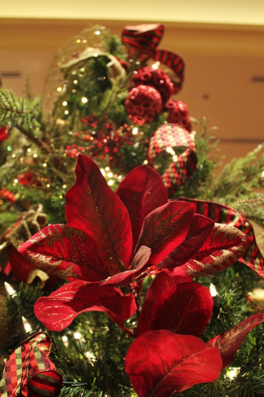 Dress Up Your Christmas Tree with Silk Florals