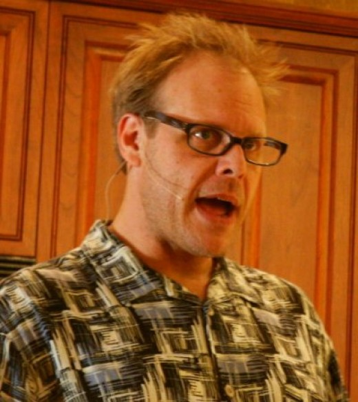 Alton Brown, as seen on TV. Source: Wikimedia Commons, CC BY 2.0, http://www.flickr.com/photos/verybigjen