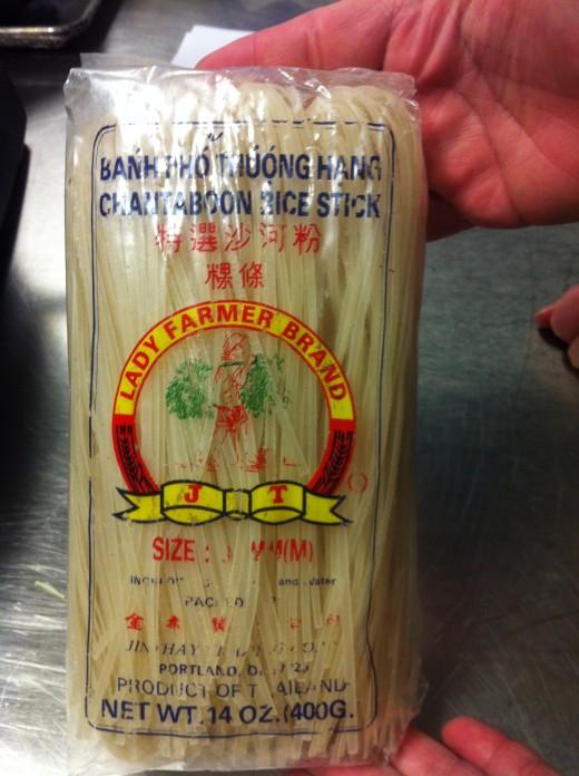 Thin rice stick noodles