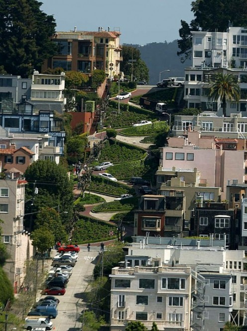 Lombard Street in San Francisco Is America's crookedest street. What fun!
