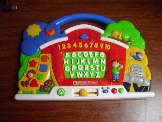 Interactive toy to read both alphabets and numbers