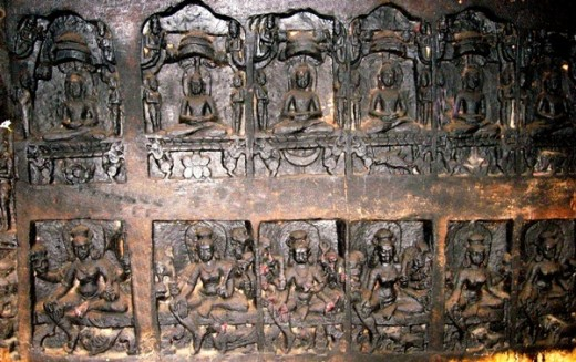 Panel of idols of Jain Teerthankars