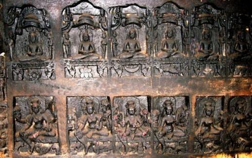 Panel of idols of Jain Teerthankars