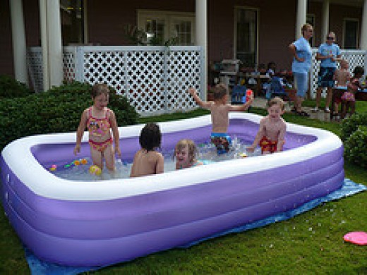 Ways to Keep Inflatable Swimming Pools Clean