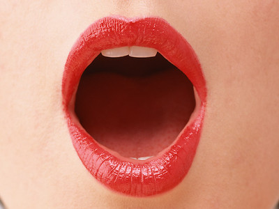 Correct mouth opening for words with an AH sound. Keep the tongue flat.