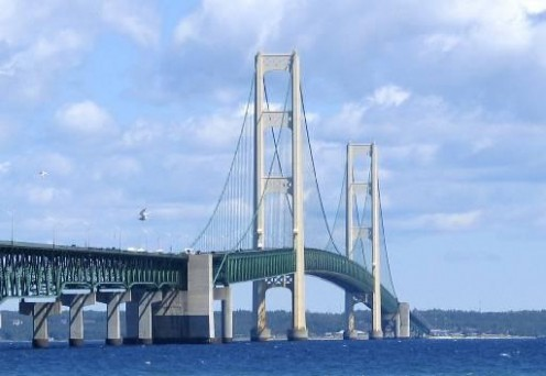 The Mackinac Bridge on a clear day.