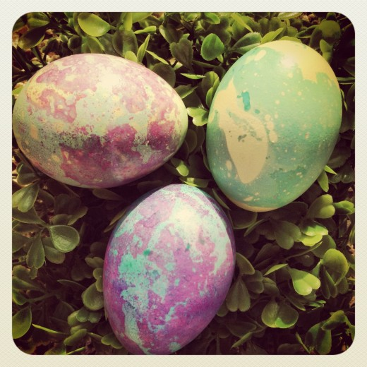 these dinosaur eggs have a base coat