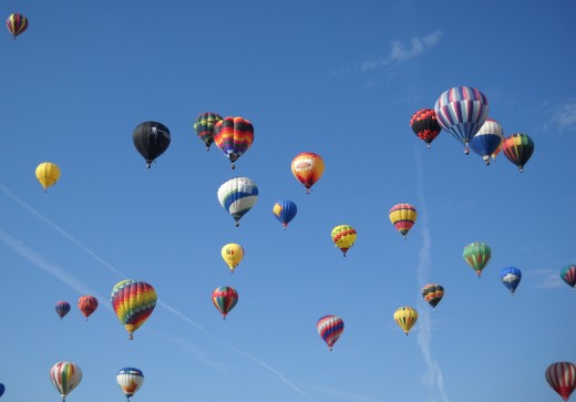 Colorful ballons in the early morning during the Balloon Fiesta.