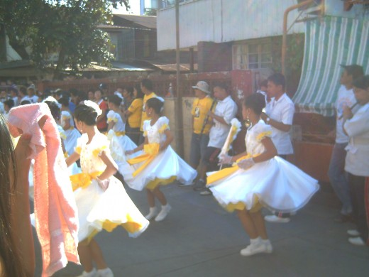 Bati-Bati Street Dance or Greetings Dance during  Easter Sunday @ Barangay Don Galo, Paranaque City, Manila, Philippines (Photo by Travel Man)