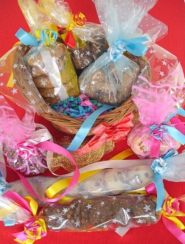gift-wrap your home made cookies and your Christmas presents are now ready