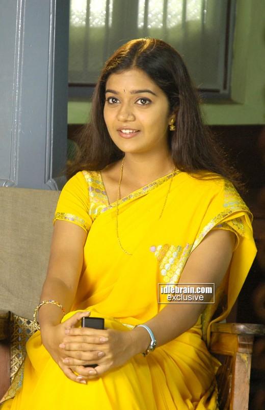 Telugu Hot Actress Meenakshi