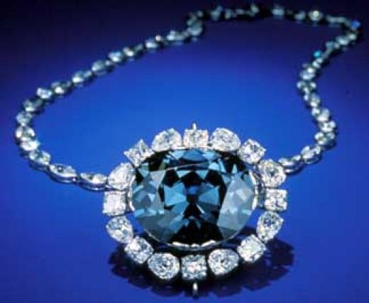 http://www.examiner.com/images/blog/replicate/EXID57700/images/hope-diamond(4).jpg