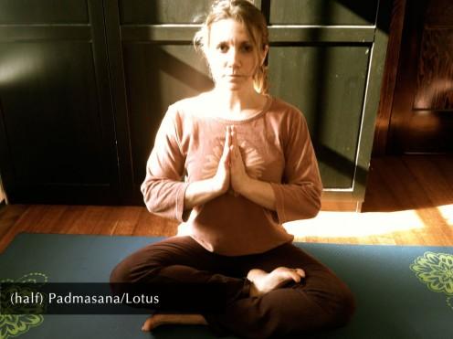 (half) Padmasana/Lotus