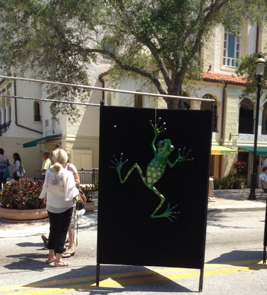 Tree frogs are abundant in Florida, even in art!