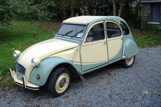 This 2CV replaces my first car, also a 2CV of the same year.