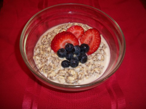 Chia Oatmeal with Berries