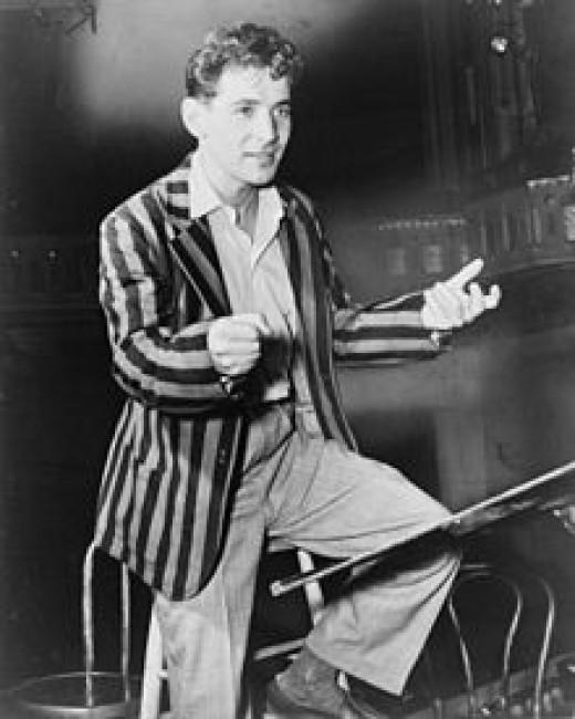 Leonard Bernstein conducting the New York City Symphony (1945)