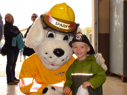 Alex poses with Sparky for a picture.