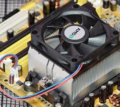 A common type of fan/heat sink combination, which is more effective than either device alone in controlling system heat.