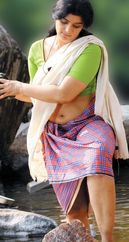 Parudeesa Movie Swetha Menon Lungi Blouse Photos