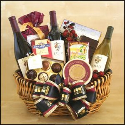 Golden State Greeting Wine Gift Basket