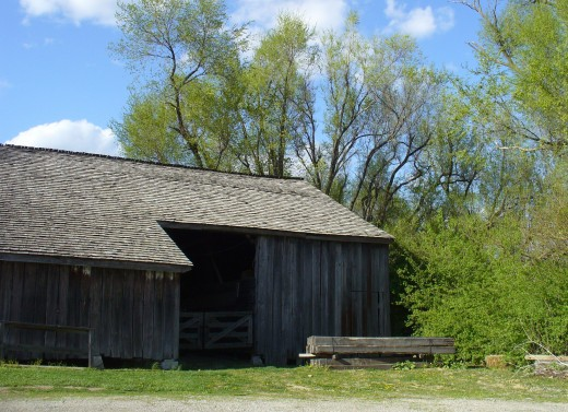This is a barn not too far from where I live.  It is in great condition still, from what I can see.