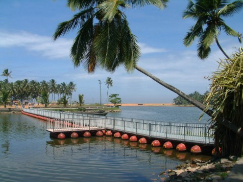 Floating Bridge from Veli garden to beach
