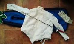 Left Handed Fencing for Girls -- What are the Advantages? Foil Epee Sabre Gear