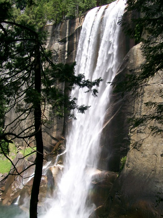 Vernal Falls (Mist Trail). Gorgeous, isn't?