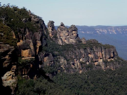Blue Mountains famous three mountain peaks, Just outside Sydney´s Metropolitan Area. New South Wales, Australia.
