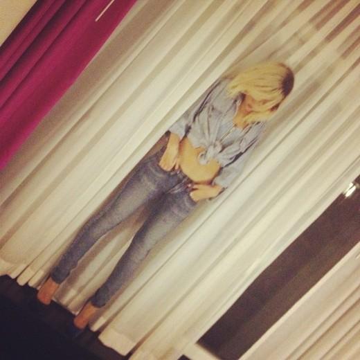 Rihanna Instagram picture sourced via Twitter badgirlriri / @rihanna