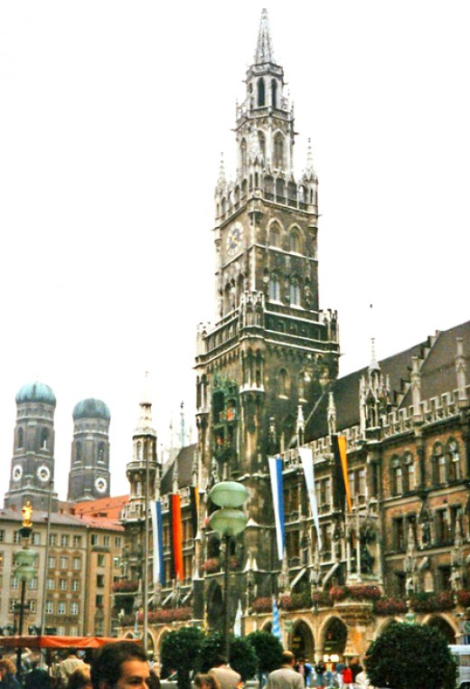 European Landmark: The Rathouse at Old Munich's central square.