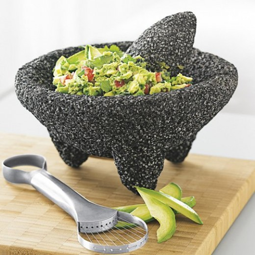 Use it to prepare guacamole, salsa verde, salsa rojo and other fabulous sauces!