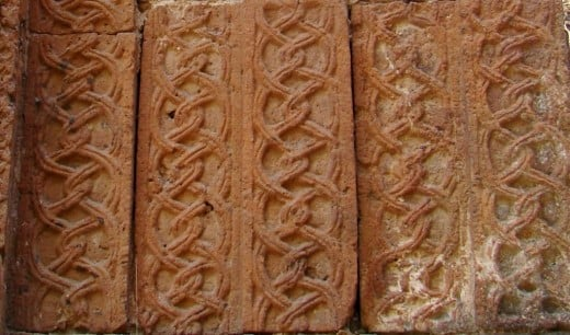 Chain pattern in terracotta; distinct Islamic influence
