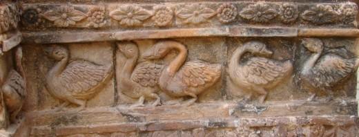 Terracotta swans; Nabaratna temple