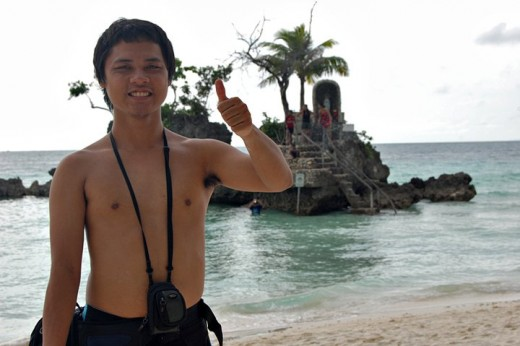 Iconic touristy photo at the Boracay Grotto
