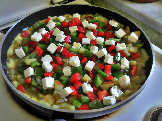 Potatoes with Pepper Egg Mixture, Topped with Feta