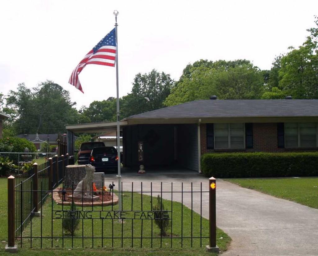 build a decorative metal rebar fence for the front yard. Black Bedroom Furniture Sets. Home Design Ideas